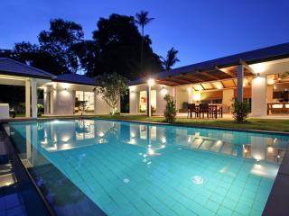 A Luxurious Retreat in Bophut - Bophut vacation rentals