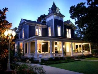 Charming Bed and Breakfast with Long Term Rentals Allowed (over 1 Month) and Corporate Bookings Allowed - Thomasville vacation rentals