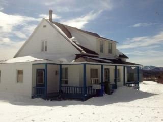 Beautiful House with Internet Access and Central Heating - Saint-Philemon vacation rentals