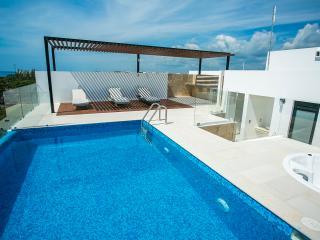 3rd floor corner unit with beautiful ocean views! - Playa del Carmen vacation rentals