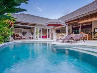 Orora, 3 bedroom villa in the heart of Canggu Bali - Canggu vacation rentals