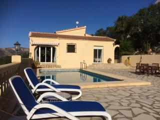 Comfortable 2 bedroom Villa in Pedreguer - Pedreguer vacation rentals