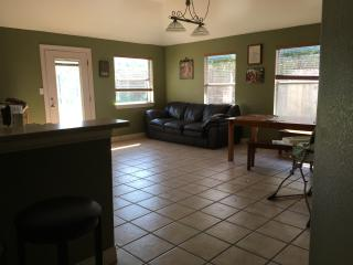 Family friendly home near downtown Kyle - Kyle vacation rentals