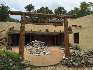 Stone Wall Mountain Lodge - Incredible Views, Hot Tub, Large Fire Pit, Game Room, Huge Acreage, Trai - Eureka Springs vacation rentals