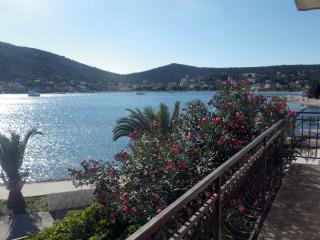 Nice 2 bedroom Condo in Vinisce with Internet Access - Vinisce vacation rentals