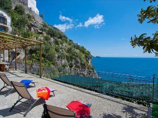 PR125-Beautiful Villa with the most amazing Sea Views! - Praiano vacation rentals
