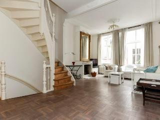 Historic Spacious 4 room townhouse in centre - The Hague vacation rentals