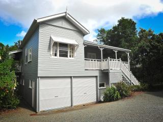 2 bedroom House with Parking in Mount Tamborine - Mount Tamborine vacation rentals