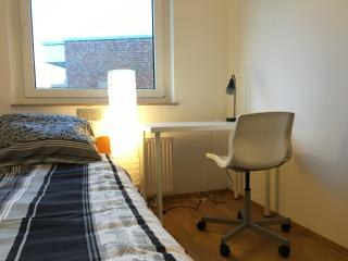 Comfortable Room in the Centre of Düsseldorf - Düsseldorf vacation rentals