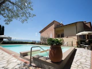 Comfortable 4 bedroom Villa in Montaione with Internet Access - Montaione vacation rentals