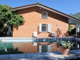 7 bedroom Villa in Seravezza, Versilia, Tuscany, Italy : ref 2383106 - Seravezza vacation rentals