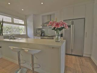 The Boathouse, Mona Vale, 2 bedroom, Pittwater - Mona Vale vacation rentals