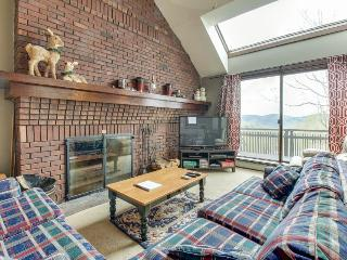 Ski-in/ski out access, shared pool & hot tub, and private deck! - Killington vacation rentals
