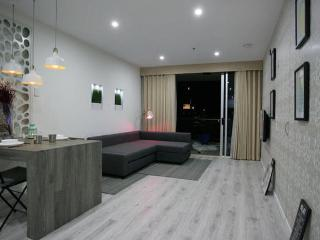 4 min to Queensland University Technology CBD - Brisbane vacation rentals