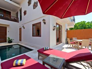 Green Peace Indah Villa 1, 2Br - Tabanan vacation rentals