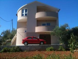 Two Bedroom Apartment - Promise of the sun - Sutomiscica vacation rentals