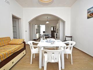 Cozy 2 bedroom Vacation Rental in Capilungo - Capilungo vacation rentals