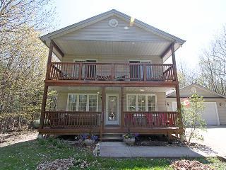 Cedar Trail Lodge cottage (#1028) - Wiarton vacation rentals