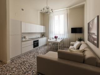 Alighieri Theatre Charming Suite - Ravenna vacation rentals
