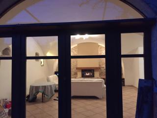 Maison en pierre au coeur de la vallée de la Drôme - Mirabel-et-Blacons vacation rentals