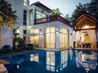 Nirvana Platinum BBQ Villa 7 Beds + Kids - Pattaya vacation rentals