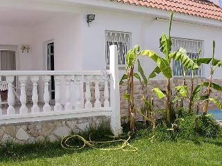 Family house with garden and pool - Alcanar vacation rentals