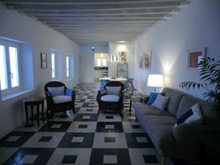 4th floor apartment in C18th merchants house - Cadiz vacation rentals