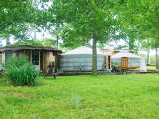 Nice Yurt with Balcony and Parking - Lannes vacation rentals