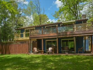 Enjoy lake views from this centrally located home with a private dock! - McHenry vacation rentals