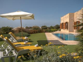 5 bedroom Villa with A/C in Dingli - Dingli vacation rentals