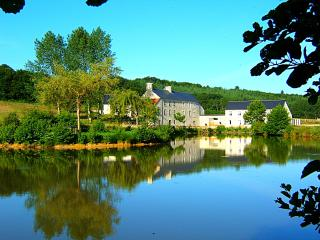 Convenient House with Boat Available and Television - Saint-Sauveur-le-Vicomte vacation rentals