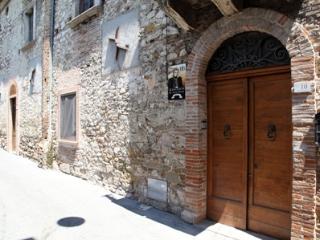 B&B Margarita D'Austria- Alessandro Farnese - Campli vacation rentals