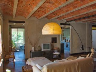 Sleep & Stay Artistic Loft Sant Daniel - Girona vacation rentals