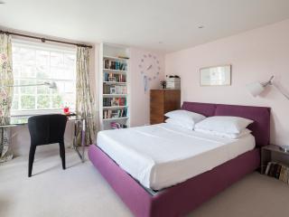 Lloyd Square - London vacation rentals