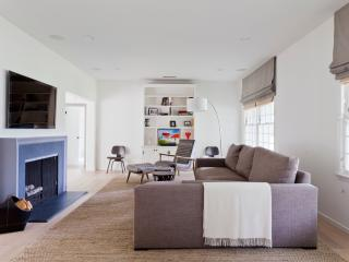 onefinestay - Foxboro Drive private home - Westwood  Los Angeles County vacation rentals