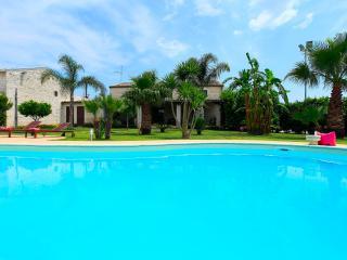 Villa Antica Aia con piscina-Patria di Montalbano - Sampieri vacation rentals
