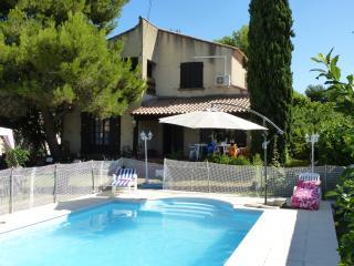 Superbe rez-de-chaussée de Villa avec piscine - Lattes vacation rentals