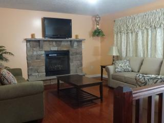 4 bedroom House with Internet Access in Long Pond - Long Pond vacation rentals
