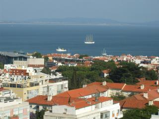 Modern studio, great sea view, heart of Cascais - Cascais vacation rentals
