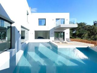 3 bedroom Villa with Internet Access in Achilleio - Achilleio vacation rentals