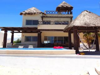 Perfect Chicxulub vacation House with Garage - Chicxulub vacation rentals