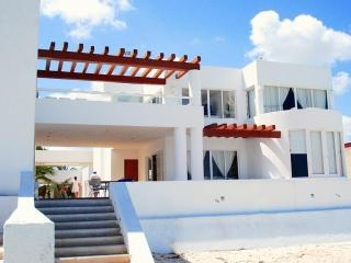 Perfect House with A/C and Balcony - Progreso vacation rentals