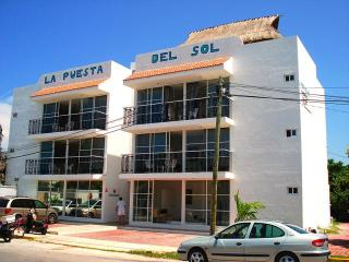 Perfect Condo with A/C and Balcony in Progreso - Progreso vacation rentals