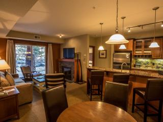 Canmore Blackstone Mountain Lodge Beautiful 2 Bedroom Condo - Canmore vacation rentals