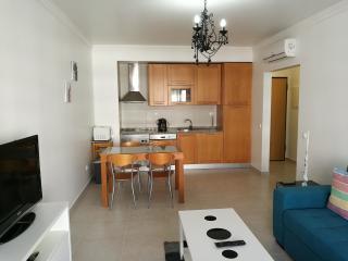 Apartamento T1Piscina e Barbecue - Praia da Rocha vacation rentals