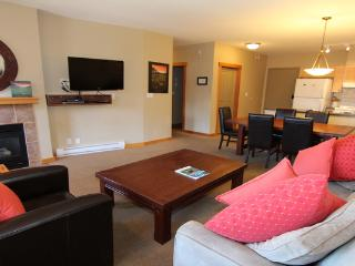 Fantastic 2 Bedroom Condo with Excellent Amenities - Canmore vacation rentals
