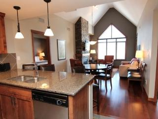 Canmore Stoneridge Mountain Resort 3 Bedroom Penthouse Condo - Canmore vacation rentals