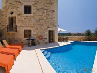 Comfortable 3 bedroom Villa in Ghasri with Internet Access - Ghasri vacation rentals