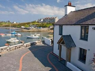 4 bedroom House with Parking in Cemaes Bay - Cemaes Bay vacation rentals