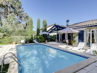 Charming villa with a pool in Cap Ferret - Lege-Cap-Ferret vacation rentals
